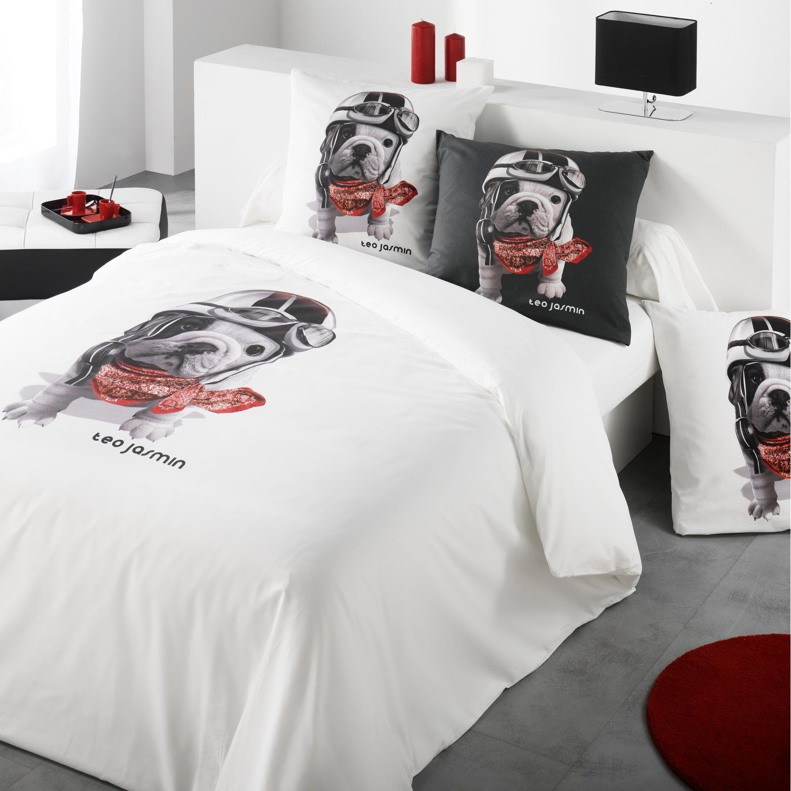 teo jasmin teo racing blanc housse de couette blanc. Black Bedroom Furniture Sets. Home Design Ideas