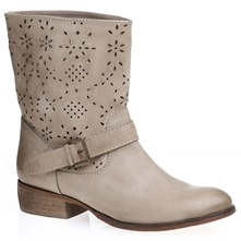 Boots en cuir beige clair