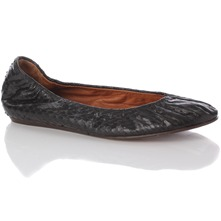 Women footwear: Black Reptilian Leather Pumps