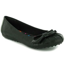 Women footwear: Black Romeo Petal Pumps