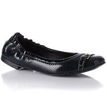 Women footwear: Black Leather Patent/Perforated Pumps