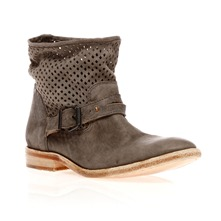Boots ajoures en cuir gris