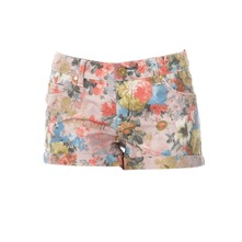 Short fleuri en denim blanc