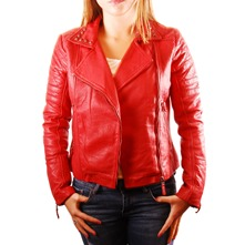 Veste cloute en cuir rouge