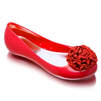 Ma Cri Red Venus Flower Ruffle Jelly Pumps