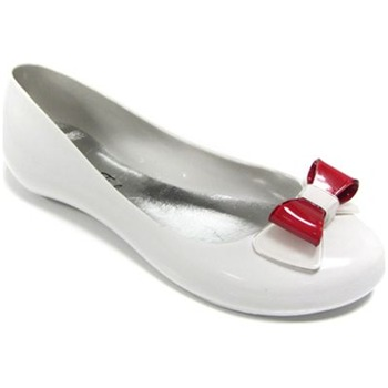 Ma Cri White/Red Papillon Pumps