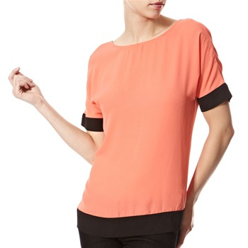 Vivi Boutique Coral Back Button Blouse