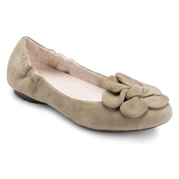 Rockport Beige Leather Etty Flower Pumps