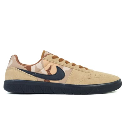 Nike BASKETS BASSES MULTICOLORE Chaussure France_v15295