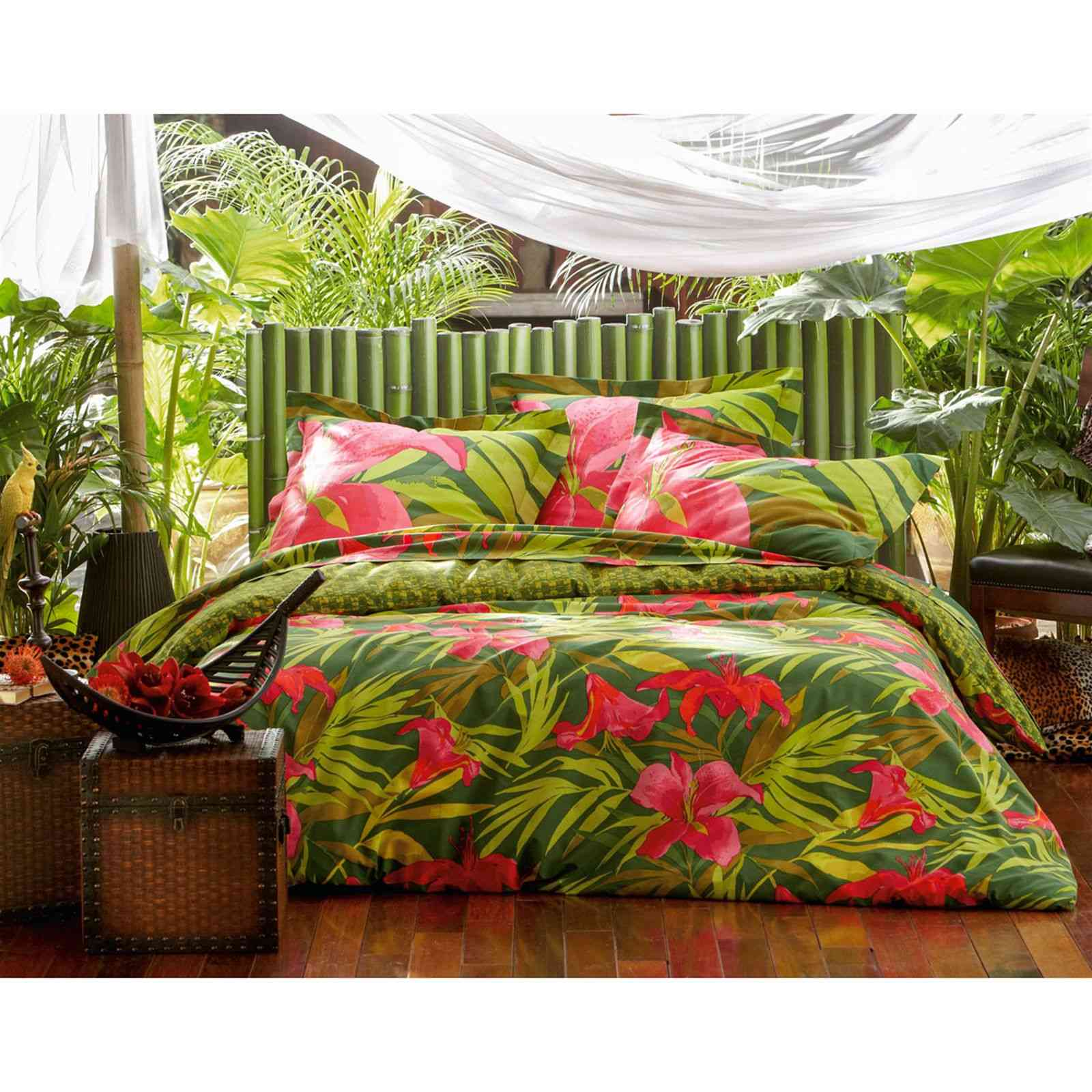 becquet housse de couette verte fleurs d 39 hibiscus vert brandalley. Black Bedroom Furniture Sets. Home Design Ideas