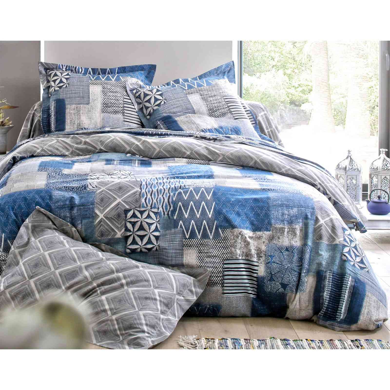 becquet housse de couette effet patchwork bleu brandalley. Black Bedroom Furniture Sets. Home Design Ideas