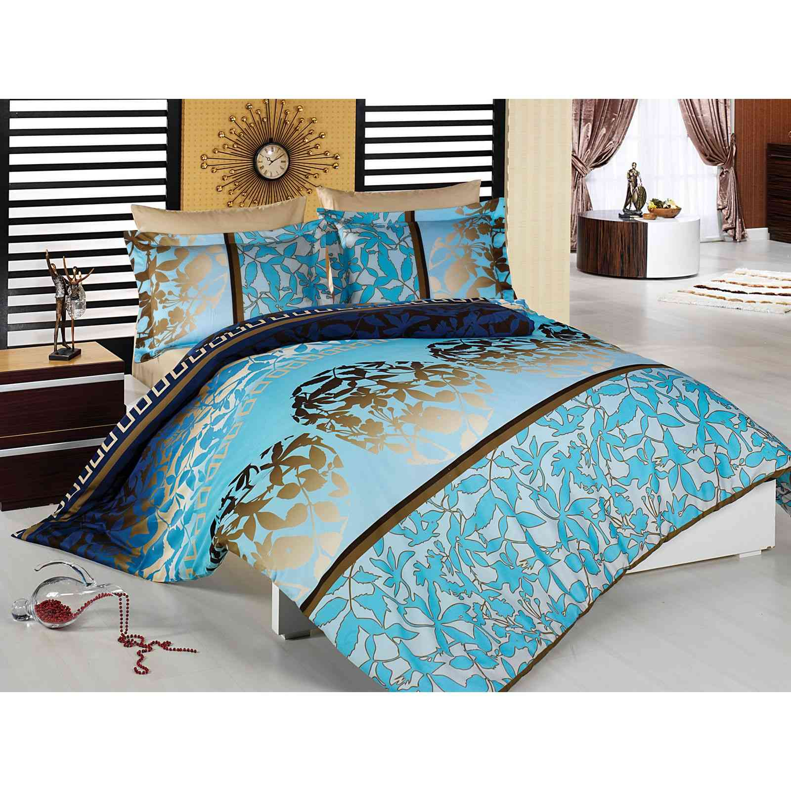 en vogue parure de lit bleu brandalley. Black Bedroom Furniture Sets. Home Design Ideas