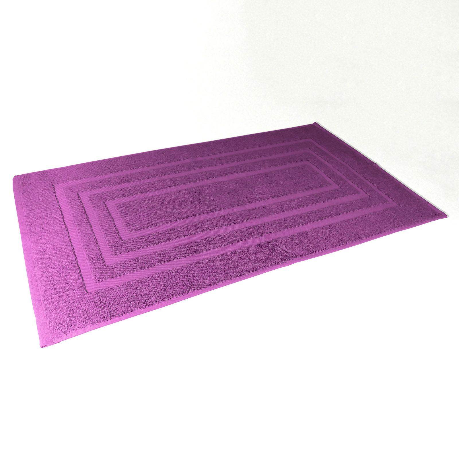 douceur d 39 int rieur tapis de salle de bain violet. Black Bedroom Furniture Sets. Home Design Ideas