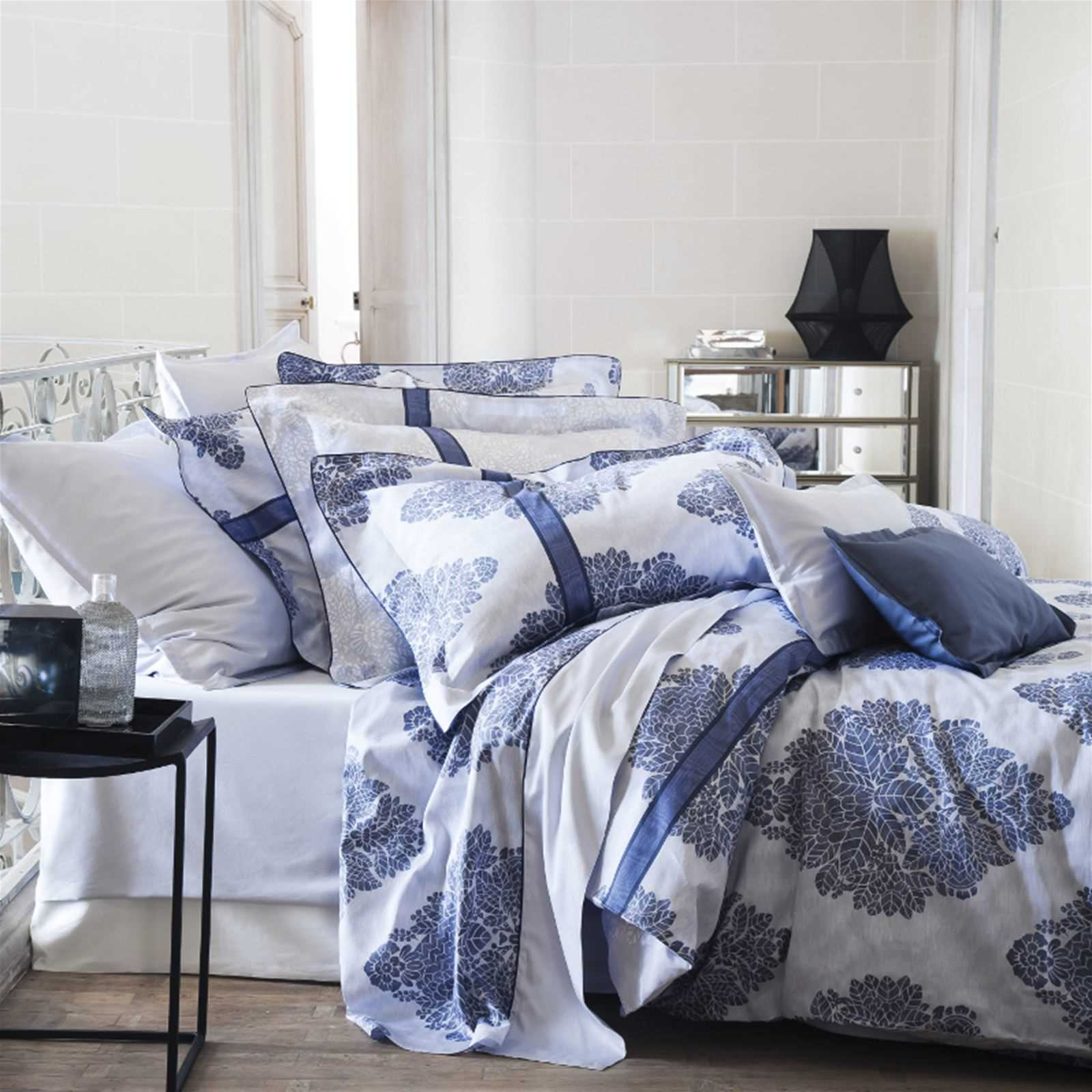 alexandre turpault quai branly housse de couette bleu marine brandalley. Black Bedroom Furniture Sets. Home Design Ideas