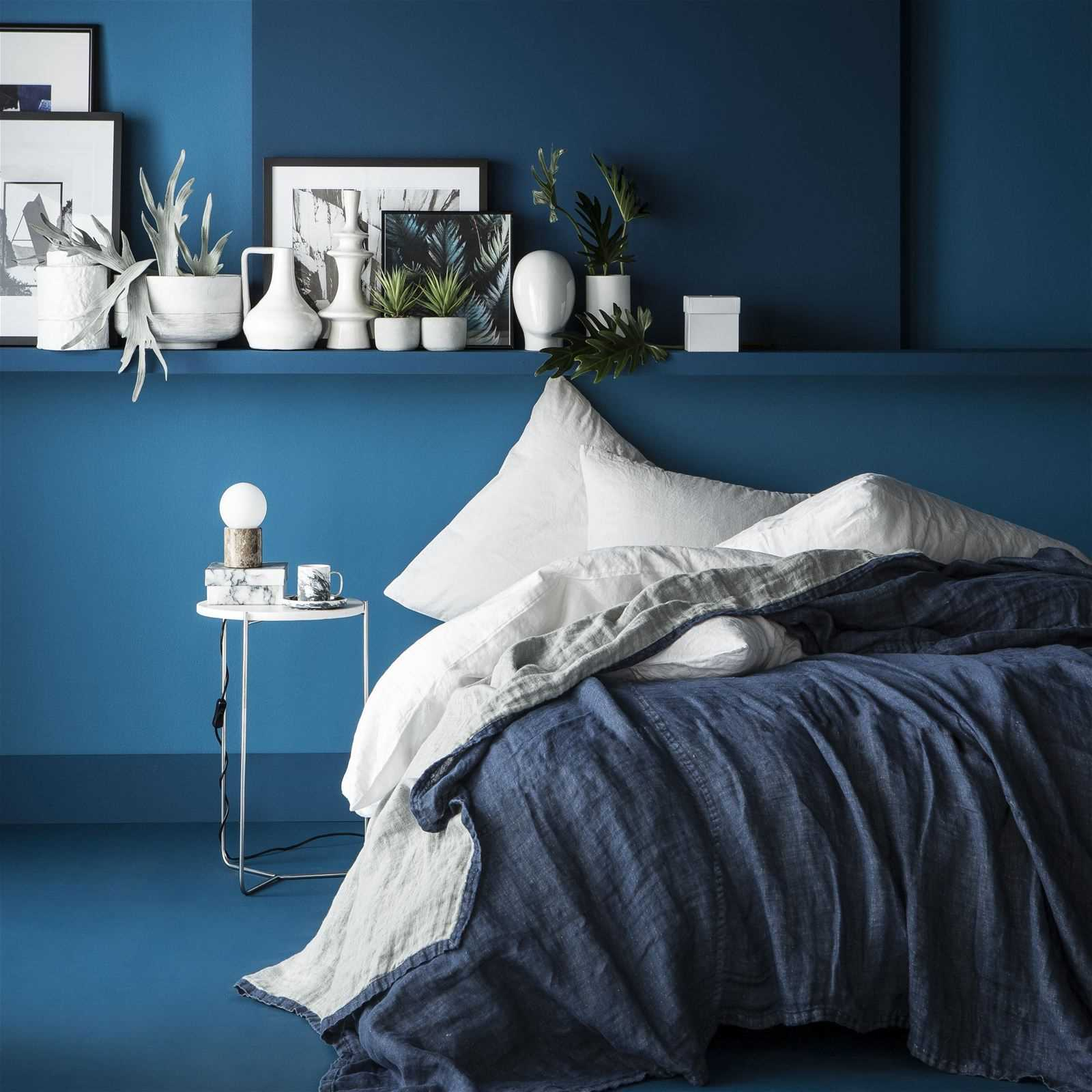 blanc cerise jete de lin couvre lit en lin bleu marine brandalley. Black Bedroom Furniture Sets. Home Design Ideas