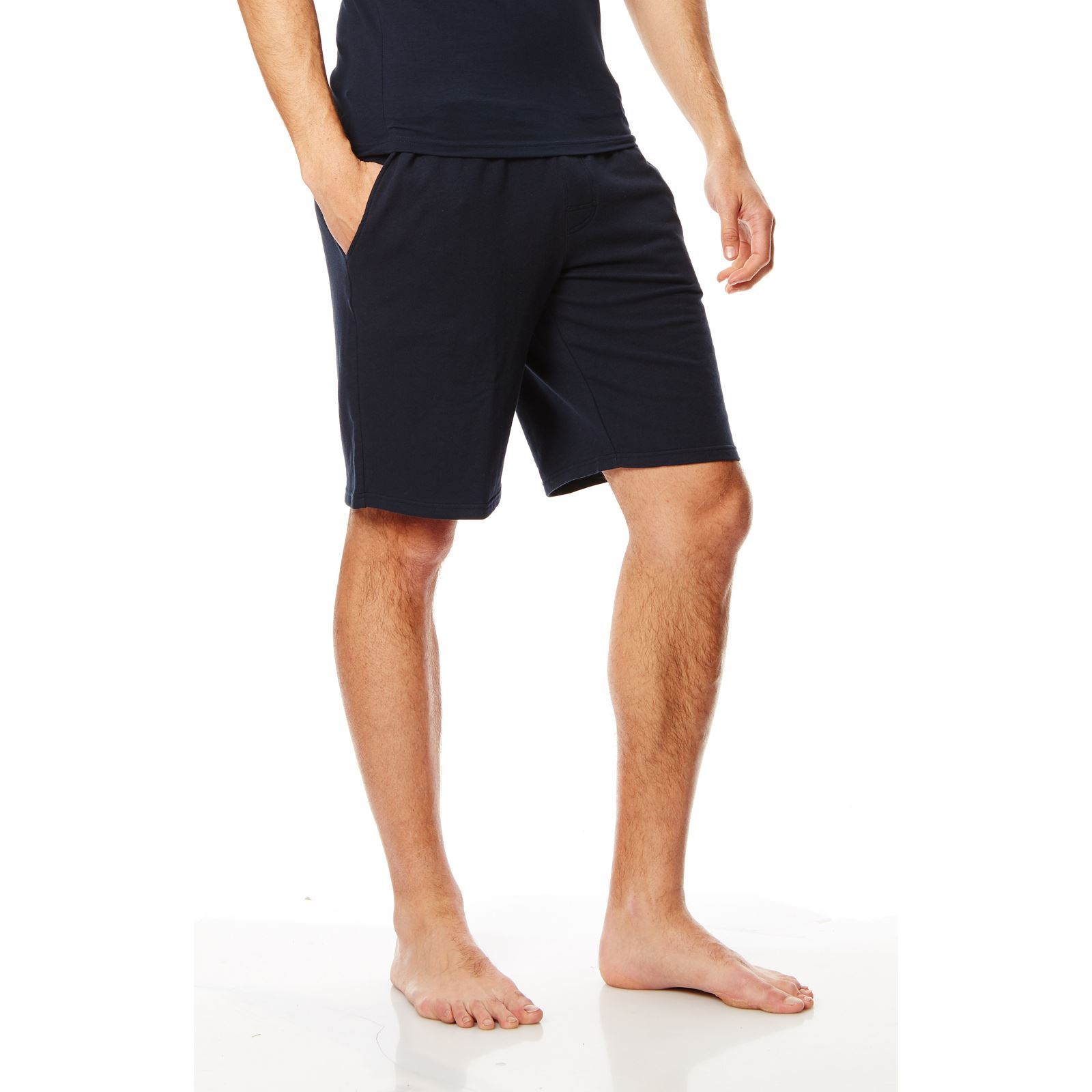 Bermuda Shorts for Men We invite you to experience TABS. Expertly tailored for a flattering, straight-leg fit, the traditional cut is balanced with bold colours and flamboyant linings.