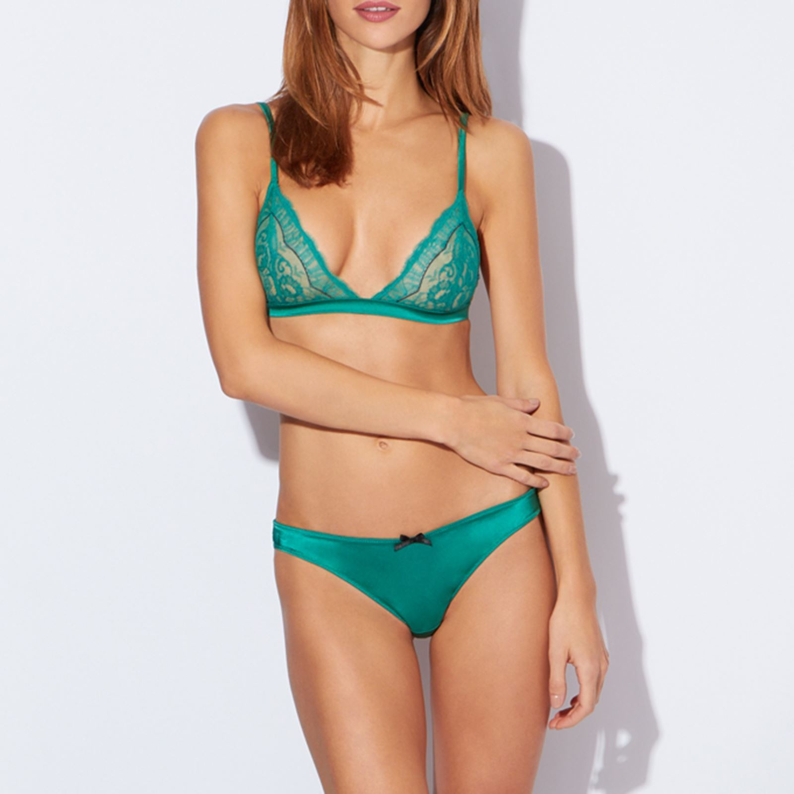 etam lingerie harmonie soutien gorge en soie m lang vert brandalley. Black Bedroom Furniture Sets. Home Design Ideas