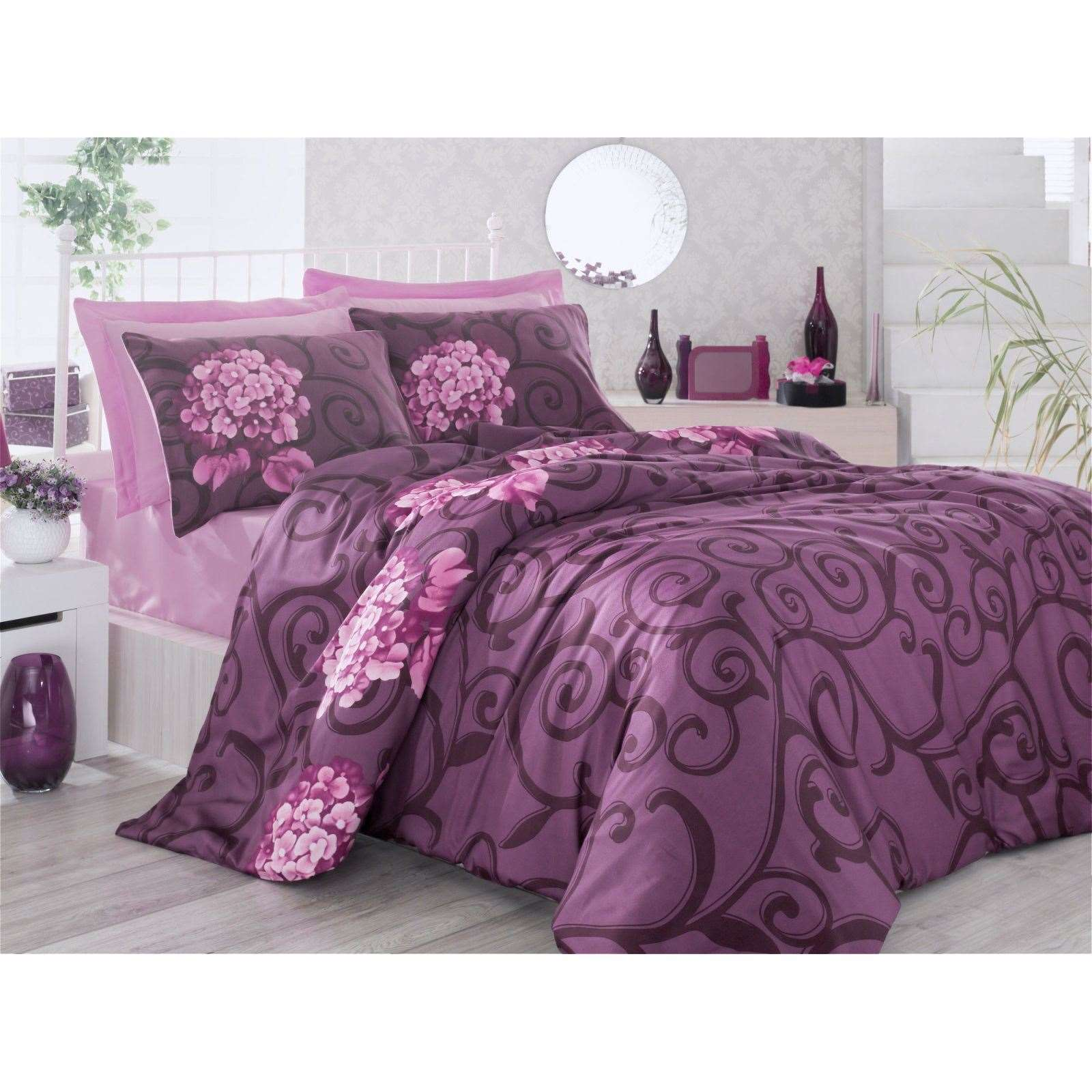 victoria home parure de lit en satin de coton mauve brandalley. Black Bedroom Furniture Sets. Home Design Ideas