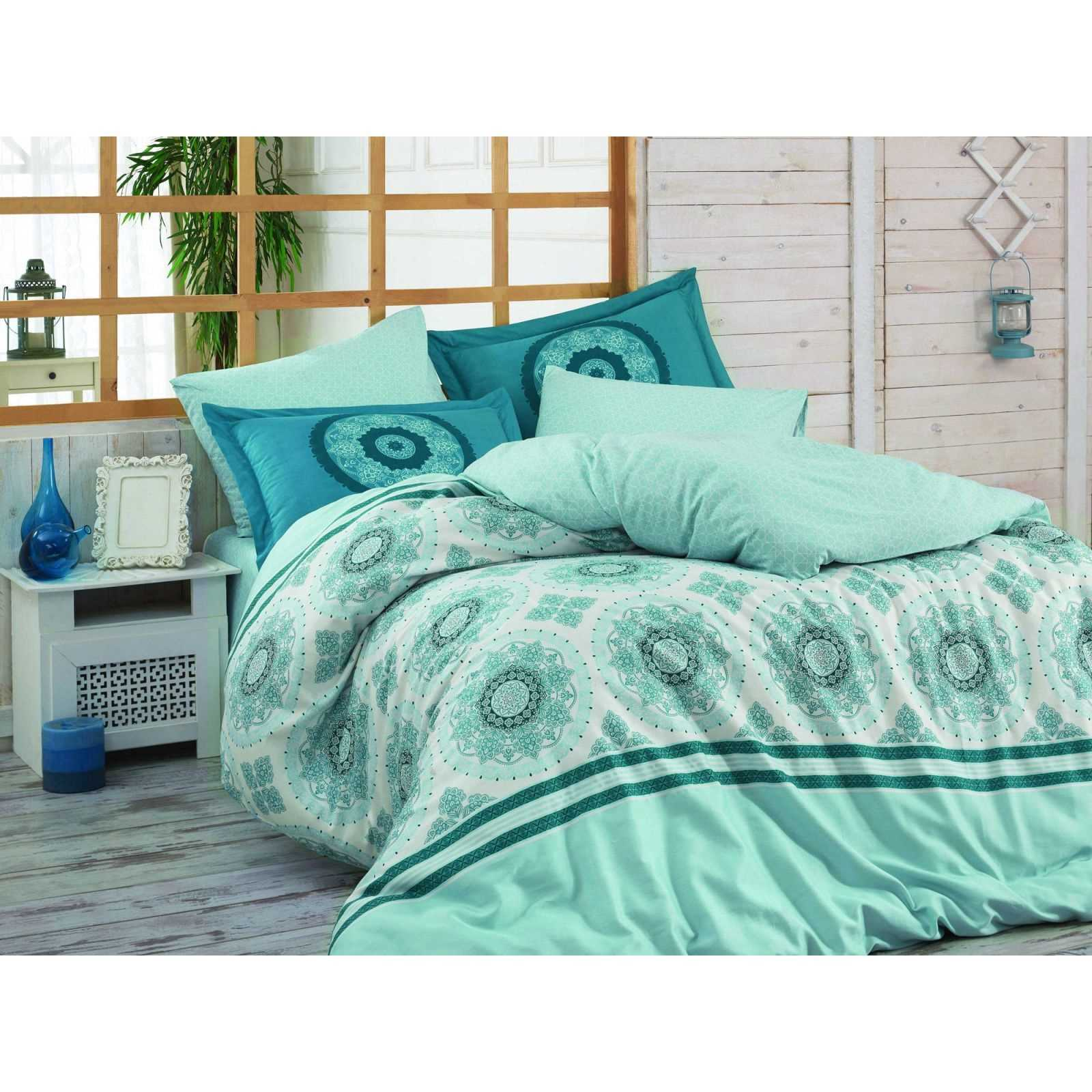en vogue parure de lit en popeline de coton turquoise brandalley. Black Bedroom Furniture Sets. Home Design Ideas