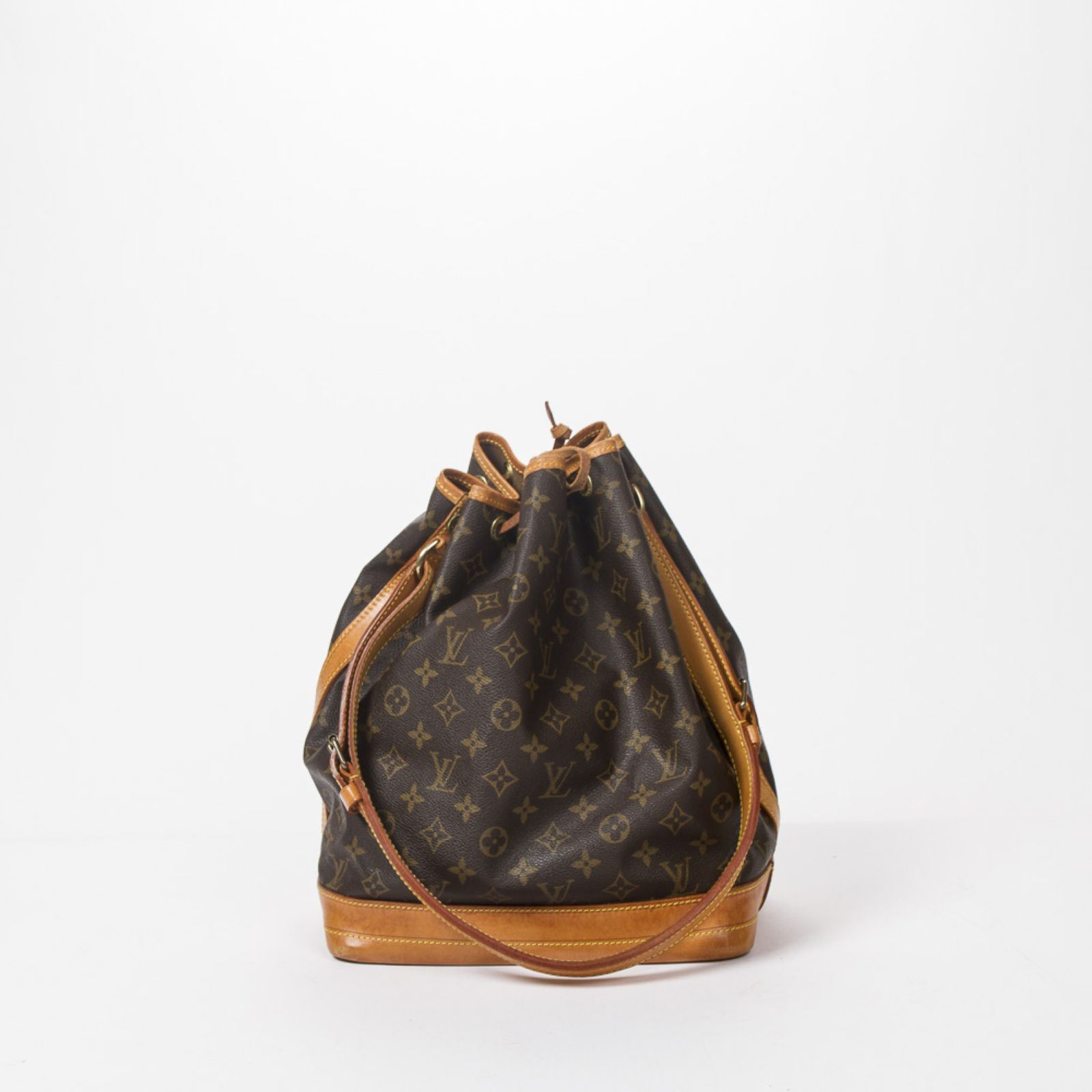 8 Reasons Louis Vuitton Monogram Bags - upursesforum.com
