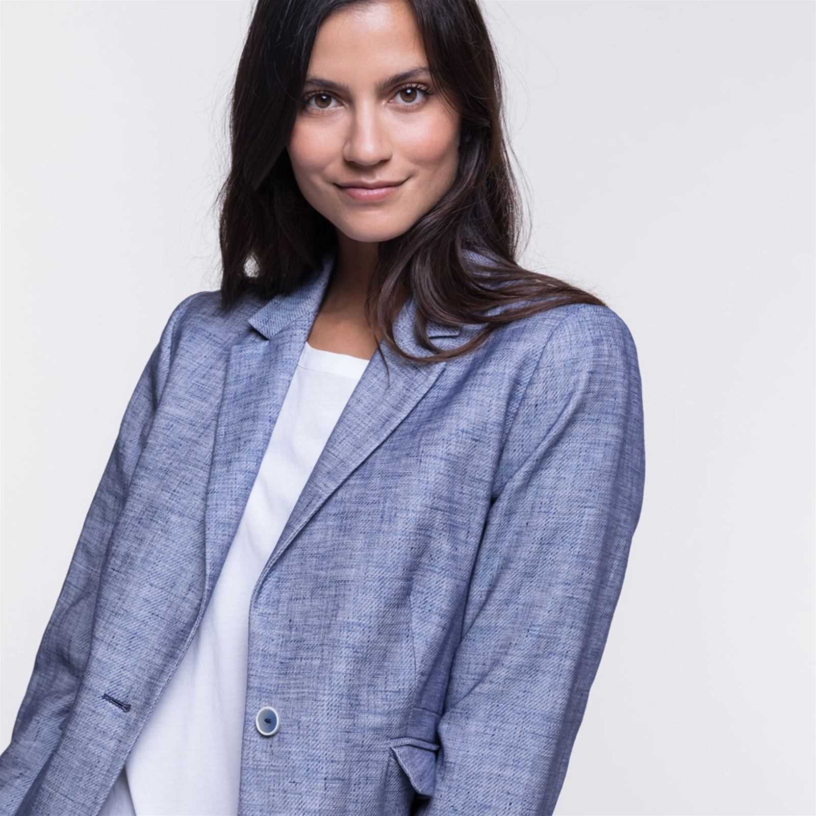 d76a97a73dce Trench and coat Veste cintré en tissu chambray 40% lin - bleu ...