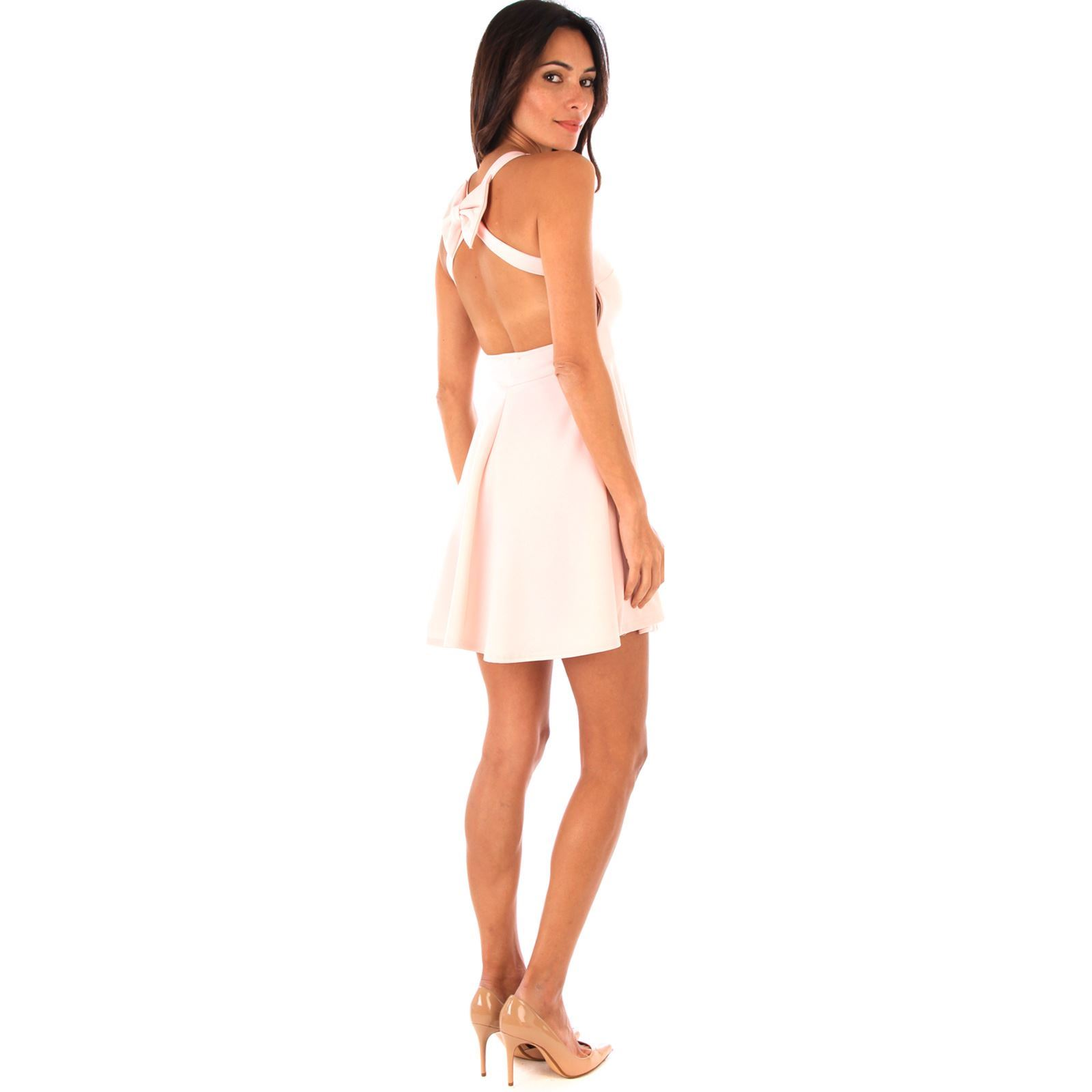 Robe beige patineuse