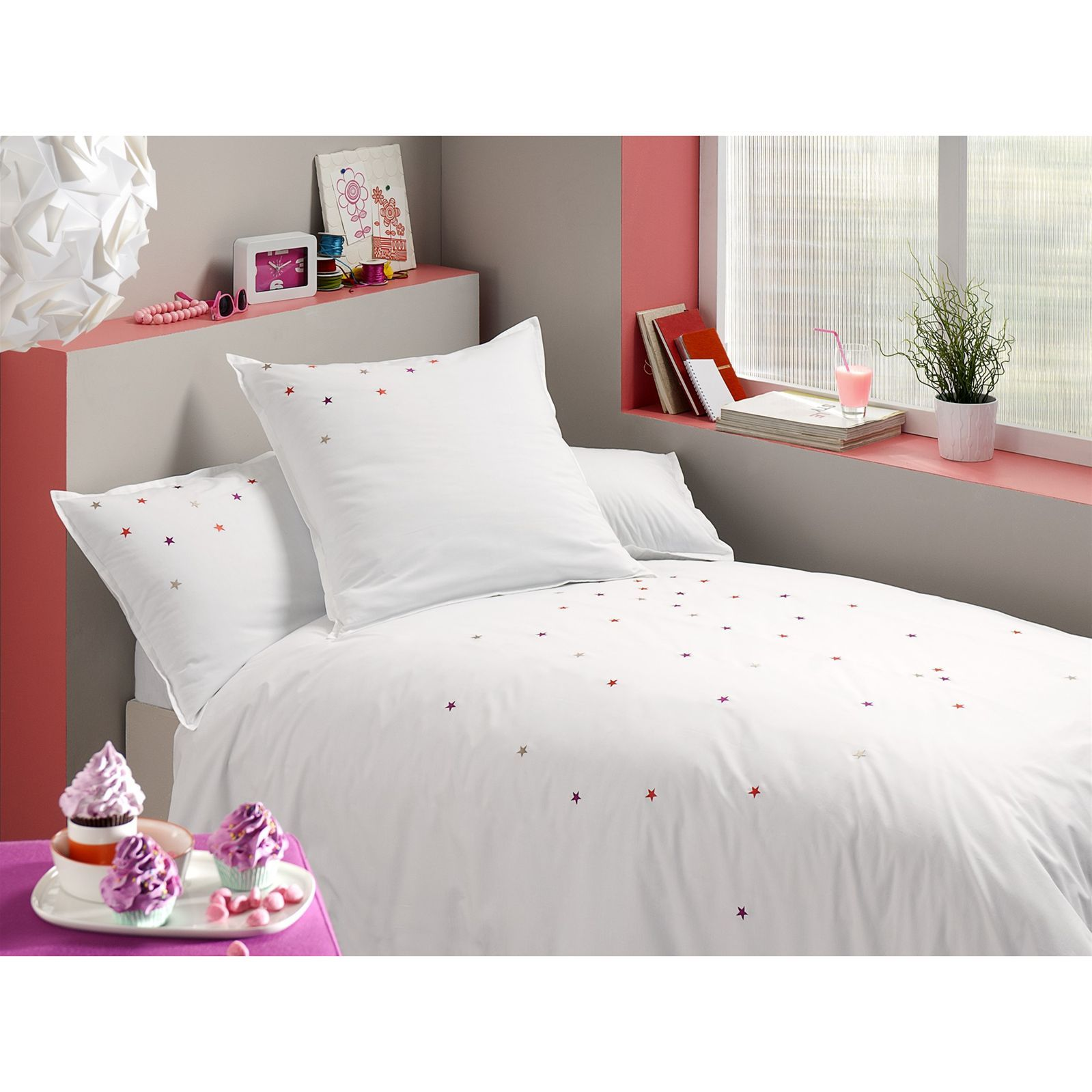 blanc cerise songe d 39 une nuit d 39 t housse de couette blanc brandalley. Black Bedroom Furniture Sets. Home Design Ideas