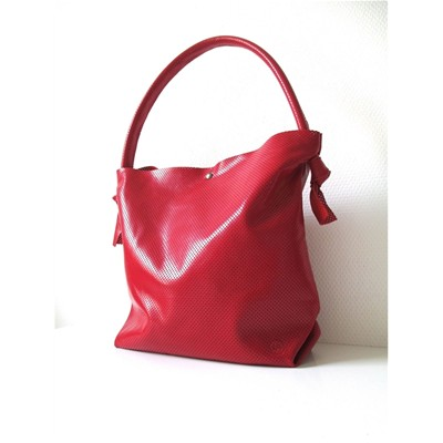 Sac cabas en cuir brillant perforé - rouge