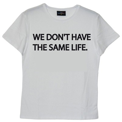 FRENCHCOOL We don't have the same life - T-shirt en coton col rond - blanc