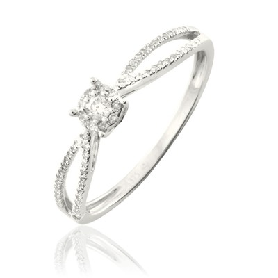 Bague en or ornée de diamants - blanc